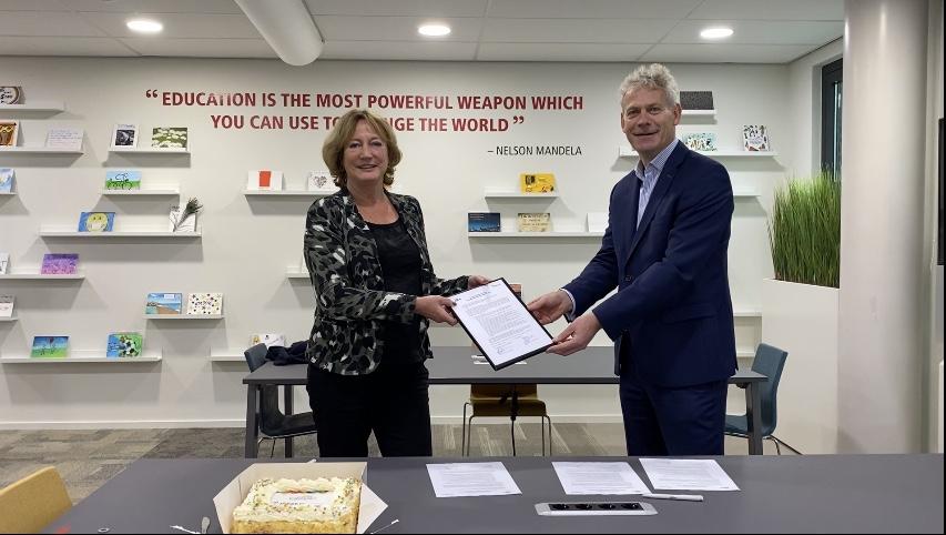 ondertekening overeenkomst Loket.nl en Avans Academie